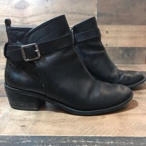 Vince Camuto Beamer Black Ankle Bootie Size 8